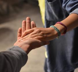 hands-sm